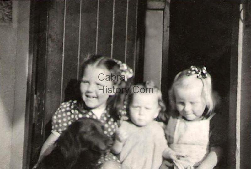 Angela, Doreen, Ida & Flash O\'Callaghan 5 Bannow Road