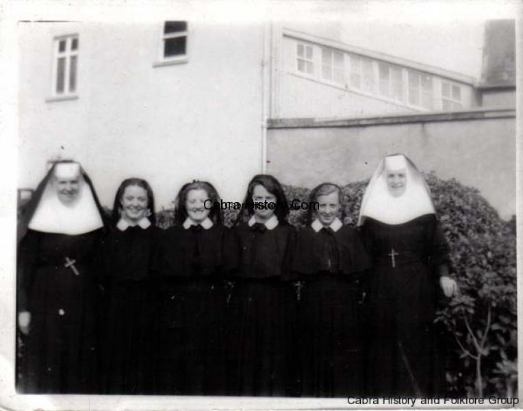 Cabra Nuns & Pupils 1954