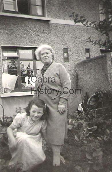 Ida Malone with Granny O\'Callaghan