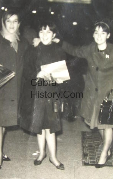 Madge & Betty Cullen with Lorraine Kelly at a Beatles Concert in Dublin
