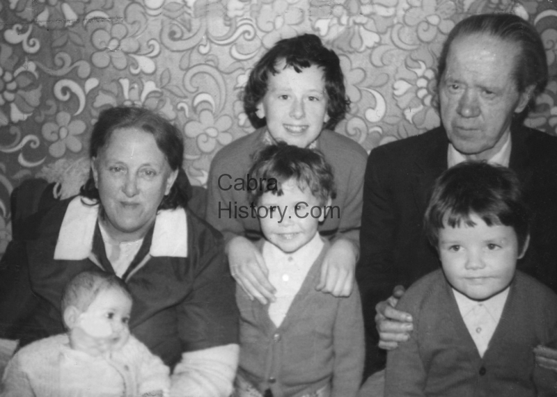 Rose & Tom Sheridan with their Grandchildren