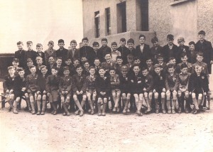 tommy-kelly-and-finbars-confirmation-class-early-1950s-_0008
